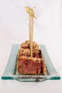 Atún Rojo con Semillas de Sésamo y Salsa Teriyaki
